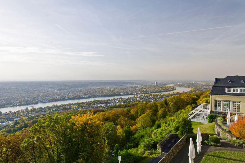 Den unglaublichen Blick übers Rheintal loben viele Gäste.