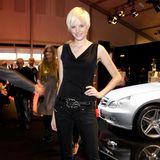 Jennifer Hof wurde 2008, in der dritten Staffel, Germany's next Topmodel. Auch sie bekam damals - wie zwei Staffeln zuvor Lena Gercke - einen Kurzhaarschnitt verpasst. Inzwischen hat sie jedoch nicht mehr viel mit dem Modeln am Hut, optisch verändert hat sie sich jedoch nicht wirklich.