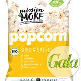 Natürlich gesnackt wird ab sofort mit Mission MORE und ihrem BIO-Popcorn. Das Beste daran: Wer sich sonst nie zwischen süß und salzig entscheiden kann, bekommt bei dieser veganen Variante beides auf einmal. 90g, ca. 2 Euro.