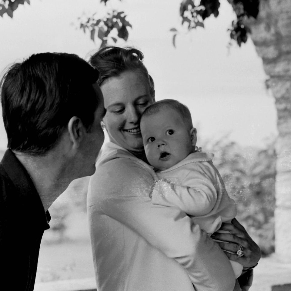 Prinz Henrik, die damalige Kronprinzessin und heutige Königin Margrethe, Prinz Frederik, 1968