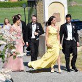 2. Juni 2018  Eine Hochzeit auf Schwedisch! Die schwedischen Royals sind eng mit der Familie Gottlieb befreundet, keine Frage also, ob Prinzessin Victoria, Prinz Daniel oder Carl Philip und seine Sofia sich die Heirat von Louise Gottlieb mit Gustav Thotthätten entgehen lassen. Bezaubernd wie immer sind die beiden Paare auf dem Weg in die Dorfkirche in Trosa.