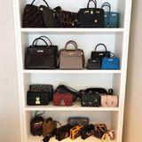 Auch die neun Hermés-Klassiker (Die Preise für eine Birkin-Bag vonHermés starten bei 10.000 Euro) sind ein kleines Vermögen wert.Und es geht noch weiter: Fendi, Prada, Dior, Louis Vuitton, Balenciaga...ein wahr gewordener Mädchenraum - den Chiara hoffentlich gut versichert hat.