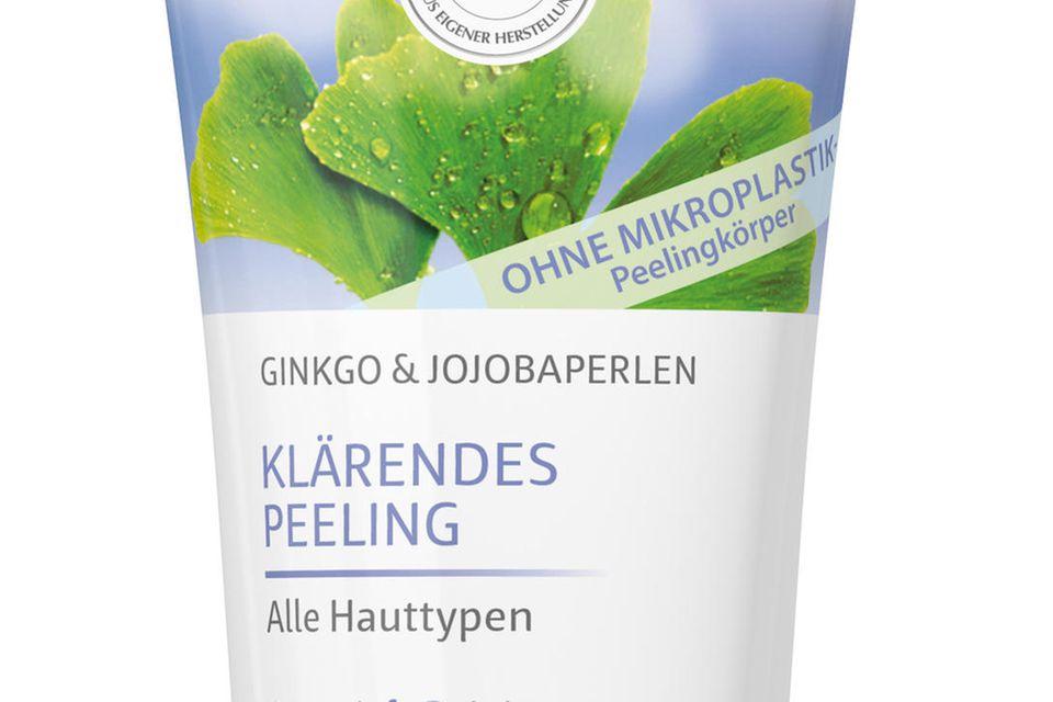 """Mit Ginkgo und Jojoba """"Klärendes Peeling""""von Lavera, 50 ml, ca. 5 Euro"""