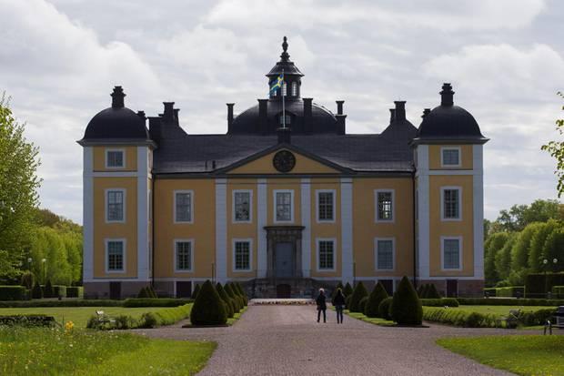 SchlossStrömsholm ist eine der Lokalitäten, die von der königlichen Familie besucht werden.