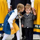 6. Juni 2018  Hey lächledoch mal! Prinzessin Estellewill ihren kleinen Bruder Prinz Oscar ein wenig aufmuntern.
