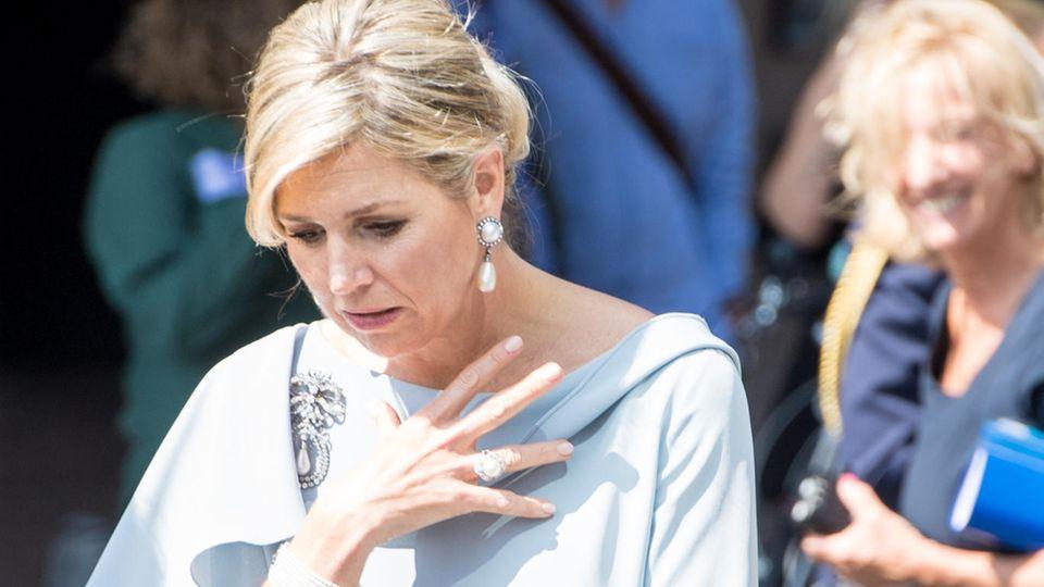 Königin Máxima: Die gesamte Familie fliegt zur Beerdigung ihrer Schwester