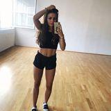 """Bei Kim Gloss startet das Sportprogramm gleich am frühen Morgen. Ihr """"Beastmode"""" (so nennt sie es selber auf Instagram)zahlt sich aus: An ihrem Bauch zeichnen sich deutlich die Muskeln ab."""