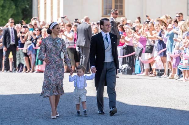 Prinzessin Victoria und Prinz Daniel mit ihrem zweijährigen Sohn Prinz Oscar
