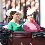 Prinzessin Eugenie und Sophie, Countess of Wessex in der Kutsche.