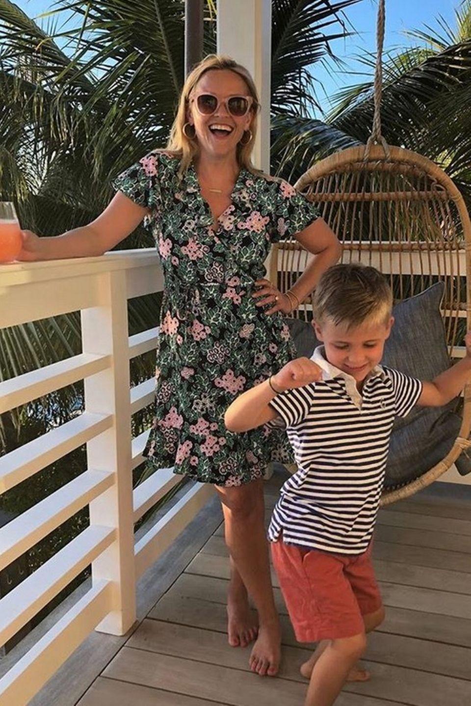 5. Juni 2018  Urlaubszeit ist Partyzeit bei Reese Witherspoon und SöhnchenTennessee James.