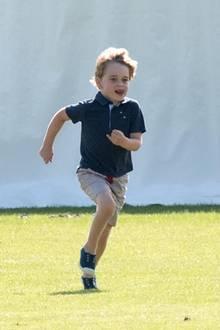 10. Juni 2018  Fröhlich rennen Prinzessin Charlotte und ihr großer Bruder Prinz George um die Wette.