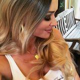 Natürlich blond? Daniela Katzenberger zeigt sich auf Instagram mit einem ungewohnt natürlichen Blondton. Hat sie sich etwa von ihrem Markenzeichen, den wasserstoffblonden Haaren, verabschiedet? Nein! Auch wenn der Katze dieser Look gut gefällt, fehlt ihr einfach der Mut.