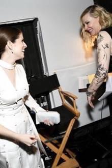 """9. Juni 2018  """"Versuche backstage zu flirten"""", schreibt Anna Kendrick scherzend. Verständlich, wer würde es bei der schönen Cate Blanchett nicht gerne versuchen."""
