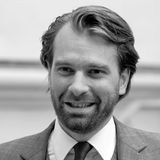 """9. Juni 2018: Prinz Georg-Constantin (41 Jahre)  Todesfall im Hause Sachsen-Weimar-Eisenach: Wie """"Bunte"""" aus den Familienkreisen des Prinzen erfahren hat, ist er am vergangenen Samstag in der Umgebung des Apethorpe Palace im englischen Northamptonshire von seinem Pferd gestürzt. Der Prinz soll noch an der Unfallstelle verstorben sein."""
