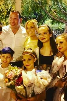 Dieses süße Familienfoto postet Jennifer Lopez auf ihrem Instagram-Account.