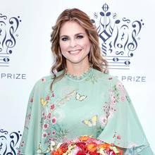 Die Luxus-Prinzessin hat wieder zugeschlagen! Wie schon bei der Taufe von Prinzessin Adrienne trägt Madeleine einen floralenLook von Giambattista Valli. Und der ist nicht ganz preiswert ...