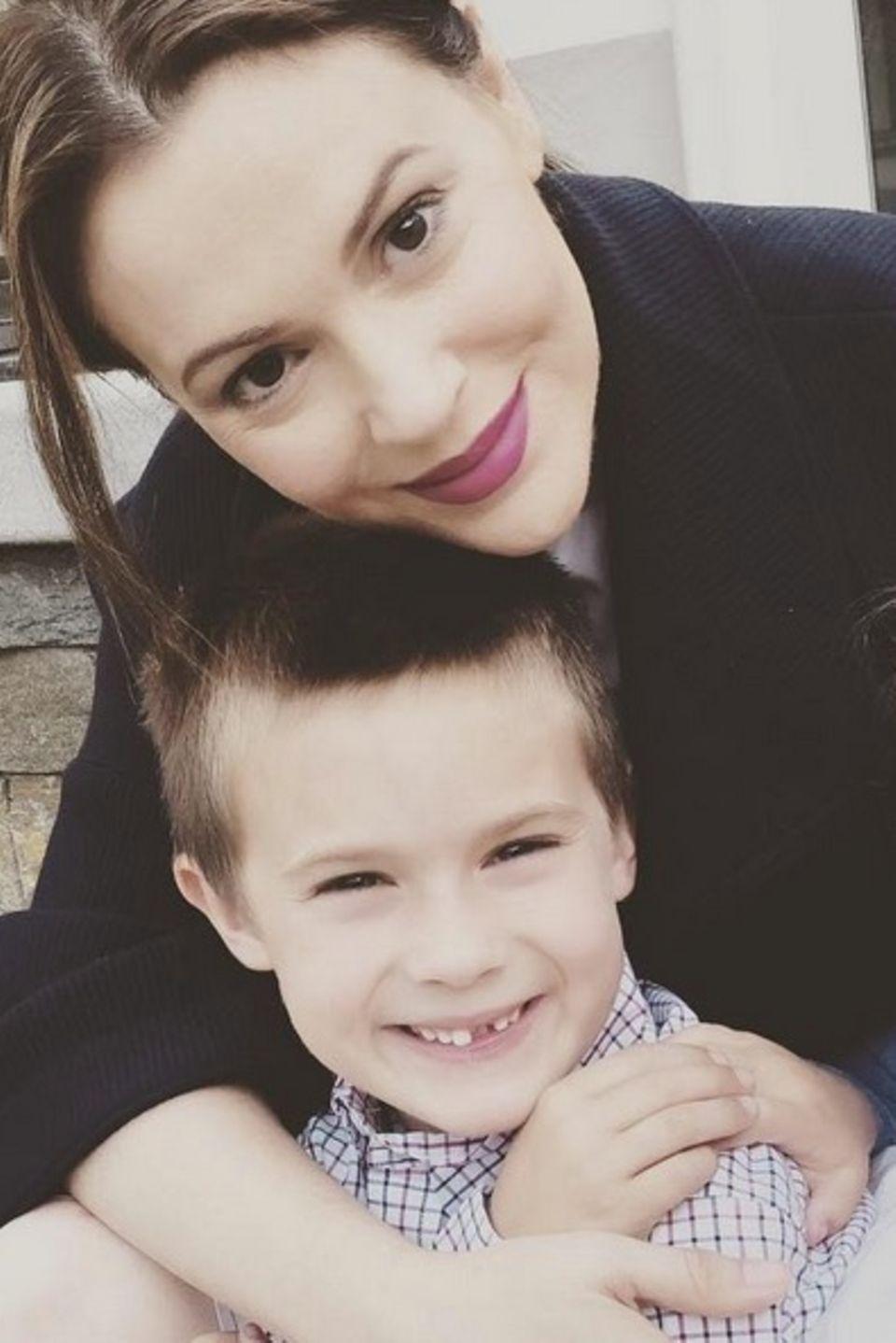 15. Juni 2018  Auf Instagram teilt Alyssa Milano dieses hübsche Bild von sich und ihren Kindern Milo und Elizabella. Und da ein Bild bekanntlich mehr sagt als tausend Worte, verzichtet die Schauspielerin auch ganz auf eine Bildunterschrift.