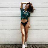 Zum ersten WM-Spiel unserer Jungs in Russland postetLena Meyer-Landrut dieses Foto auf Instagram und sendet so ganz besonders heiße Fan-Liebesgrüßenach Moskau. Zum Trikot zieht sie lediglich ein Bikinihöschen an. Bleibt nur zu hoffen, dass unsere Elf die Aufnahme erst nach dem Spiel sieht. Sonst mangelt es eventuell noch an Konzentration.