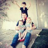 Vanessa Lachey gratuliert ihrem Ehemann Nick zum Vatertag. Dazu teilt sie ein wundervolles Familienfoto.