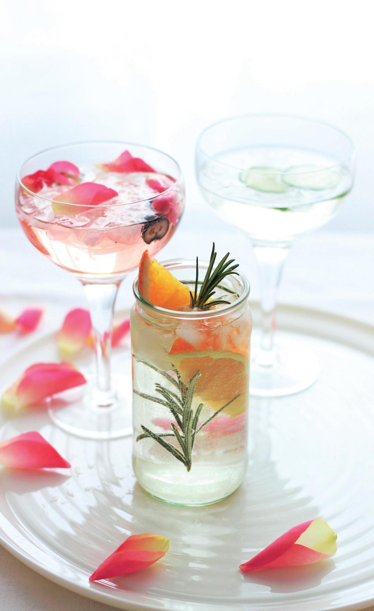 """""""La Vie en Rose"""",""""Lillet Spritz"""" &""""Orange Rosemary"""": Diese sommerlichen Drinks schmecken nach Urlaub"""