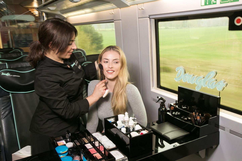Schöner reisen: Der Douglas Beauty-ICE macht es möglich