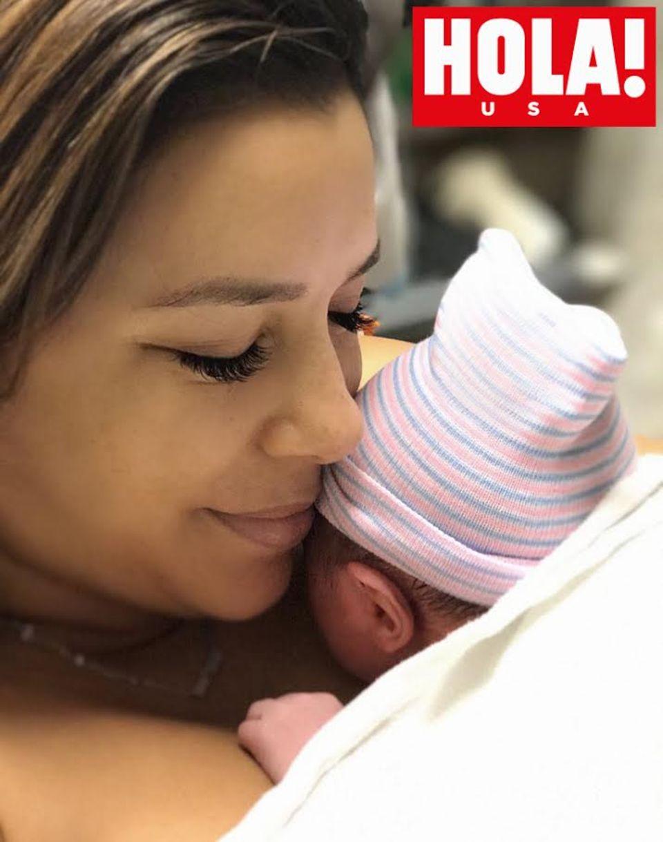Eva Longoria zeigt ihren Sohn exklusiv der US-amerikanischen HOLA