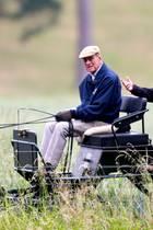 20. Juni 2018  Einige Tage nach seinem 97. Geburtstag zeigt sich Prinz Philip fit. Der Ehemann von Queen Elizabeth II. macht mit der Kutsche einen Ausflug durch den Park am Windsor Castle.