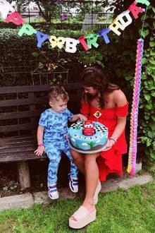19. Juni 2018  Über Instagram bedanken sich Sarah Lombardi und Alessio bei allen Fans, die dem Kleinen zum Geburtstag gratuliert haben.