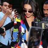 Kendall Jenner zeiht auch nach der Versace-Show in Mailand noch alle Blicke auf sich.