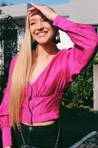 """Svenja von Wrese begeisterte """"Bachelor"""" Daniel Völz vor allem mit ihrer natürlichen Art und ihrem strahlenden Lächeln. Die 23-Jährige ließ sich ihre Brust-Implantate entfernen, scheint den Beauty-Eingriffen jedoch nicht ganz abgeschworen zu haben..."""