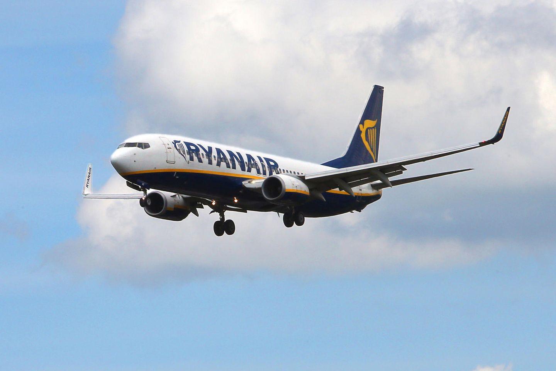 Ein Flugzeug der Fluggesellschaft Ryanair (Symbolbild).