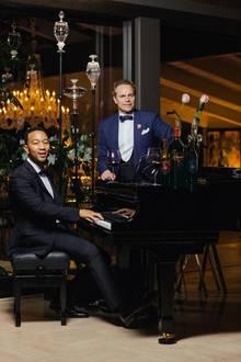 """Auch Ausnahmemusiker John Legend produziert alkoholische Leckereien: Sein Wein heißt """"LVE"""", was die Abkürzung für """"Legend Vineyard Exclusive"""" ist. Ob bei jedem Schluck des edlen Tropfens auch Legends sanfte Klavierklänge im Kopf entstehen, bleibt abzuwarten."""