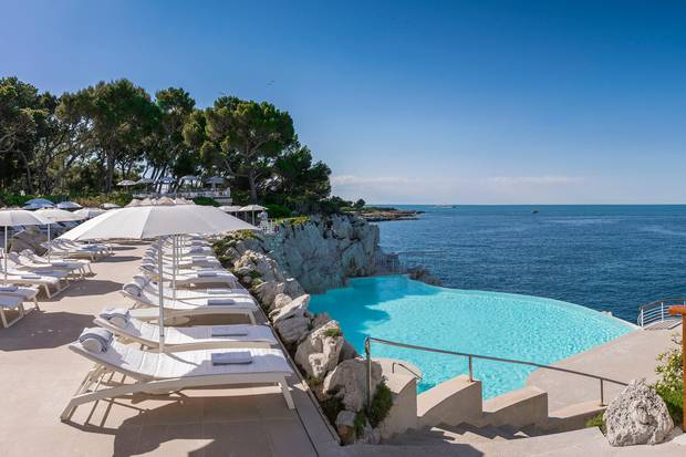 "Bester Bucht-Blick: der Pool des ""Hôtel du Cap-Eden-Roc"" in Cap d'Antibes"