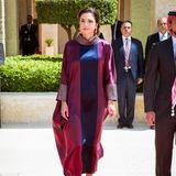 Bei den Feierlichkeiten zum 72. Geburtstag von Jordaniens Unabhängigkeit zeigt sich Königin Rania in einem traditionellen Look.