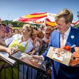 28. Juni 2018  Am Segelzentrum wird König Willem-Alexander mit Geschenken nahezu überhäuft.
