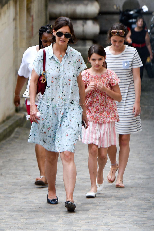 Katie Holmes und Tochter Suri besuchen unter anderem den Louvre.