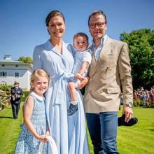 Prinz Oscar, Prinzessin Estelle, Prinz Daniel undKronprinzessin Victoriabeim Victoriatag auf Öland, Schweden imJuli 2017