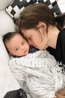 2. Juli 2018   Model Coco Rocha teilt mit ihrem Sohn Iver ein gemütliches Hobby: das Nickerchen.