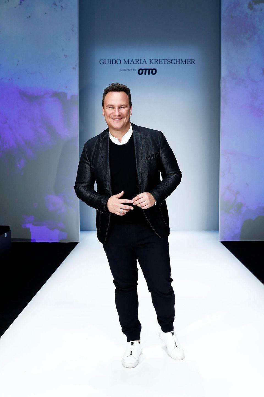 """Unter dem Motto """"Lineless Light"""" eröffneteStar-Designer Guido Maria Kretschmer mit seiner Show die Berliner Modewoche."""