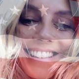 Zum Unabhängigkeitstag in den USA wird Heidi Klum kreativ: Auf ihrem Instagram-Account hat sie ein Video von ihrem fröhlichen Gesicht mit einer transparenten US-Flagge drüber gepostet.