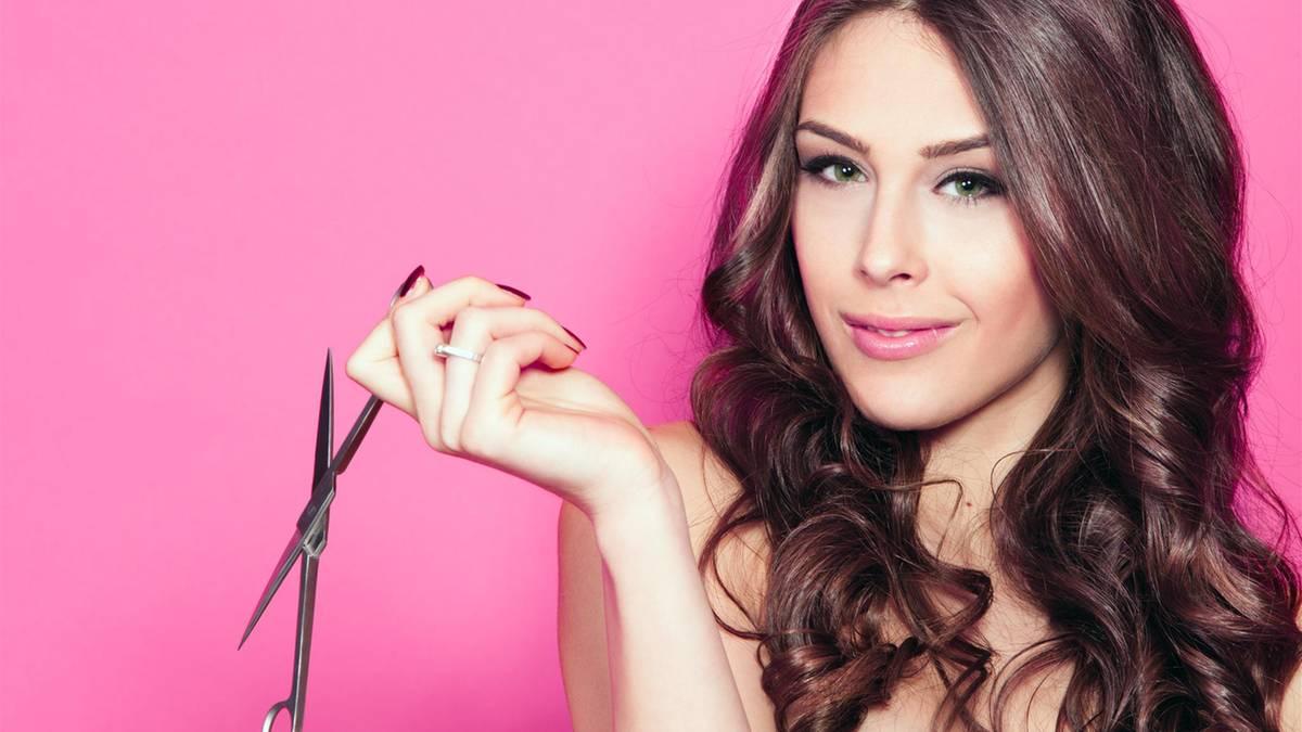 Haare selber schneiden: Anleitungen für die DIY-Frisur