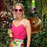 Tamara von Nayhauss kommt mit leckerem Mango-Saft von Rauch so richtig in Sommerstimmung.