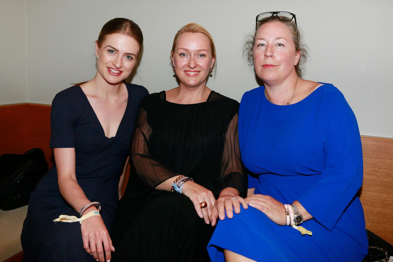 Gala.de-Redakteurin Tabea Ernst mit Evelyn Mohr und Christina Gath (v.l.)