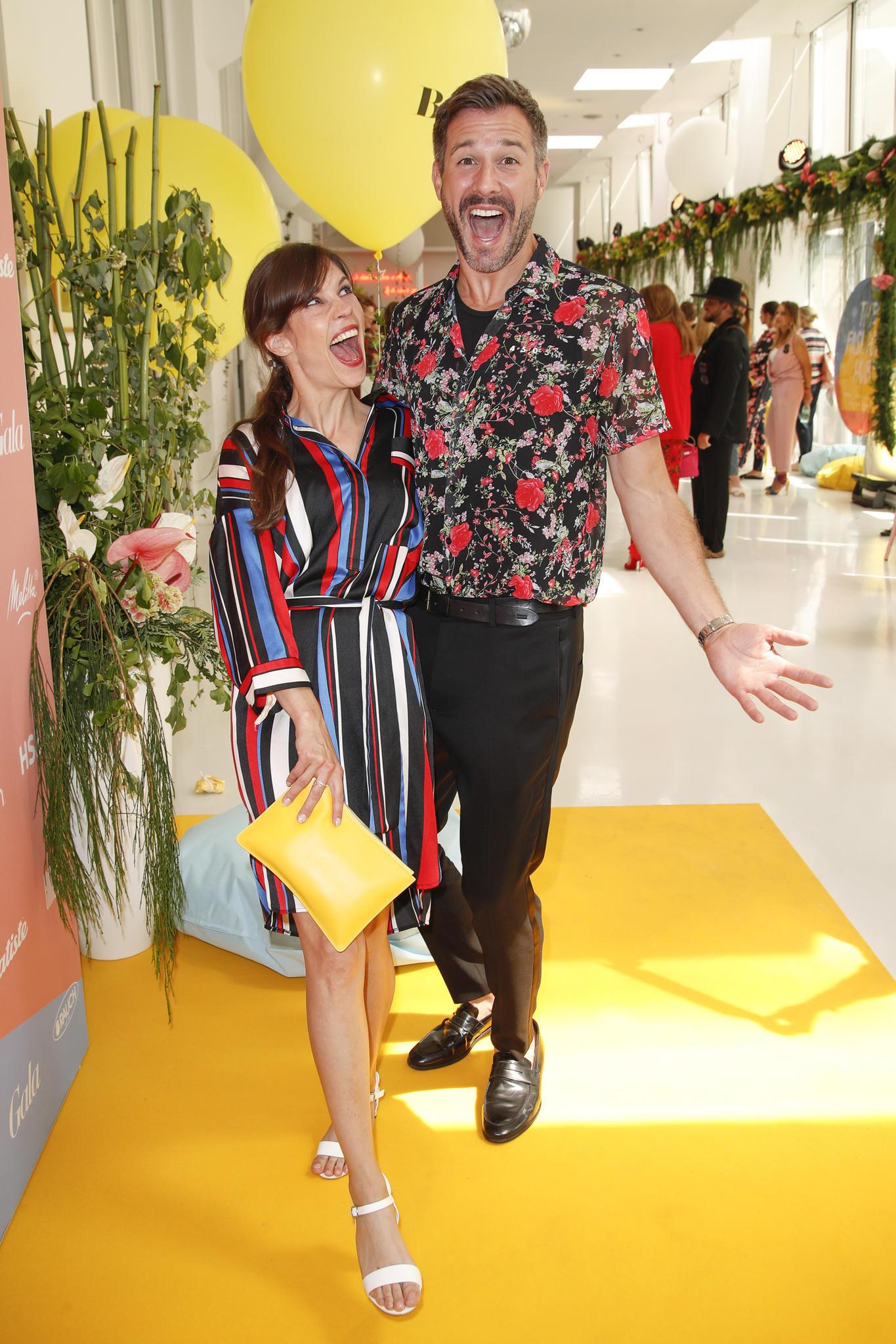 """Selbstbewusst und witzig muss Schropps Traumpartner sein. So wie Birthe Wolter, 36 – nur halt als Mann. Die Schauspielerin und der Moderator sind beste Freunde und haben immer viel Spaß zusammen, wie hier beim """"Fashion Hub""""in Berlin"""