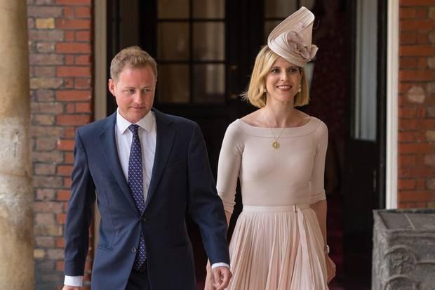 Guy Pelly kommt mit Ehefrau Lizzy zur Taufe von Prinz Louis.