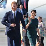 10. Juli 2018  Der Herzog und die Herzogin von Sussex kommen mit einem strahlenden Lachen am Flughafen von Dublin an. Während ihres zweitägigen Besuchs in Irland werden sie unter anderem PremierministerLeo Varadkar treffen sowie etwas über die Kultur und das Erbe des Landes erfahren.