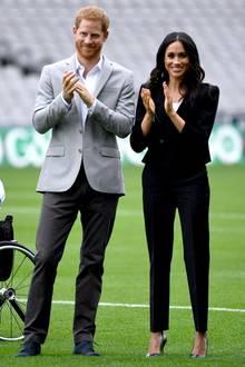 """11.Juli 2018  Herzogin Meghan und Prinz Harry beim Besuch der Sportorganisation """"Gaelic Athetic Association"""" im Croke Park."""