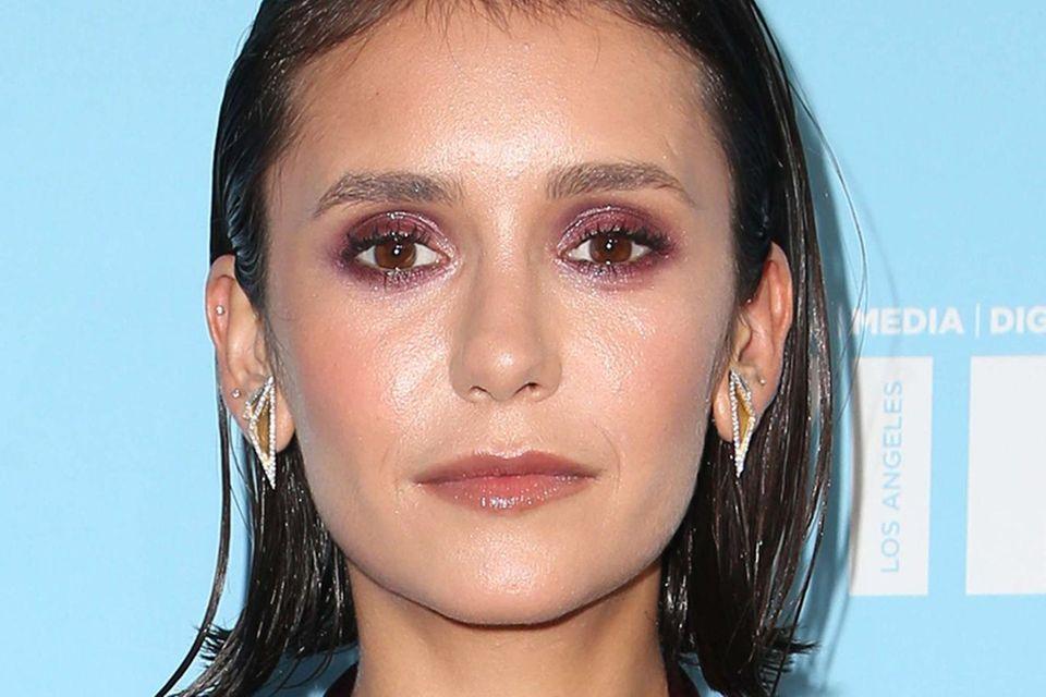 """""""Vampire Diaries""""-Star Nina Dobrev trägt ihren Bob zu Events auch gerne im Sleek-Look"""