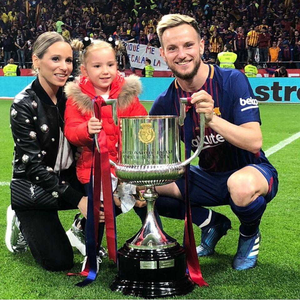 Ivan Rakitić mit seiner Familie
