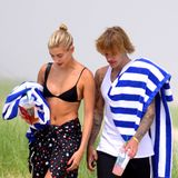 3. Juli 2018  Nach romantischem Picknick: Hailey Baldwin und Justin Bieber spazieren am Strand in den Hamptons, New York.